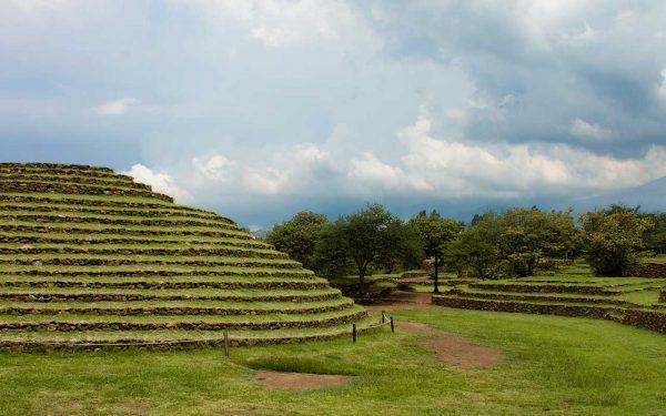 Tour en pirámides de Guachimontones